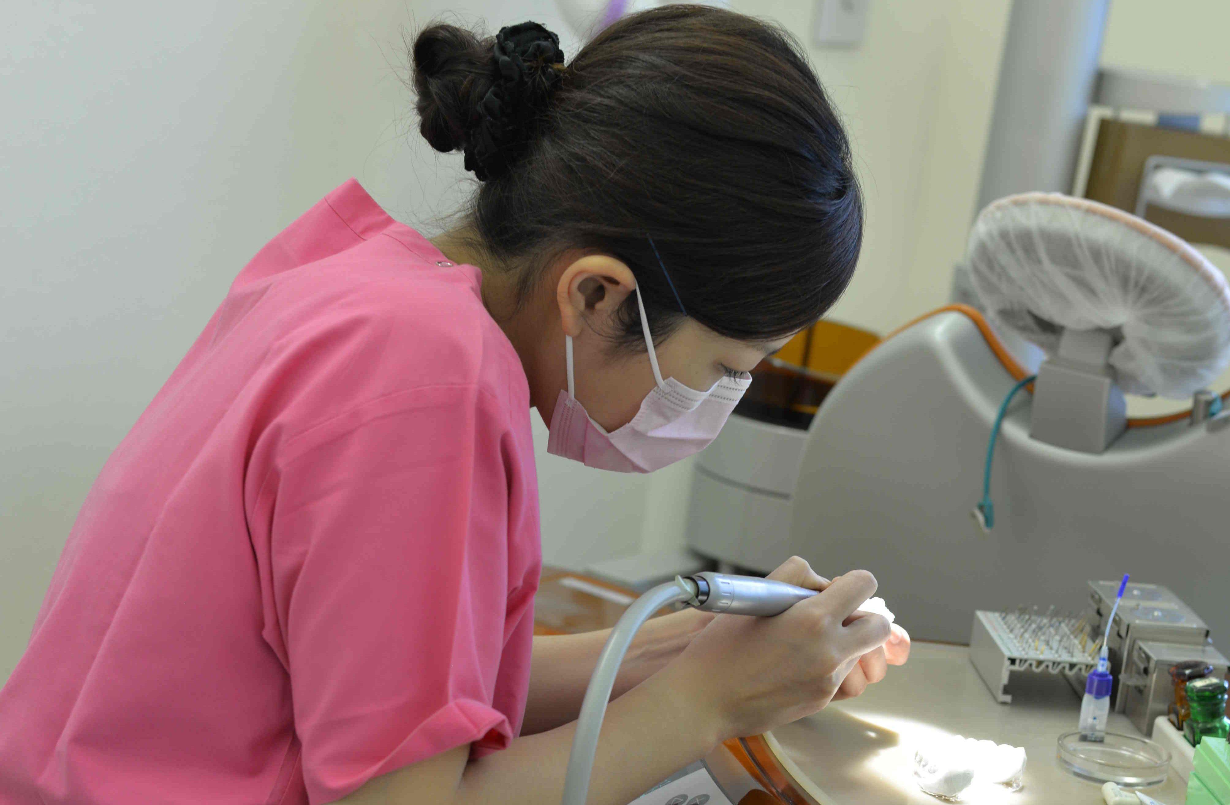 歯科衛生士兼歯科技工士